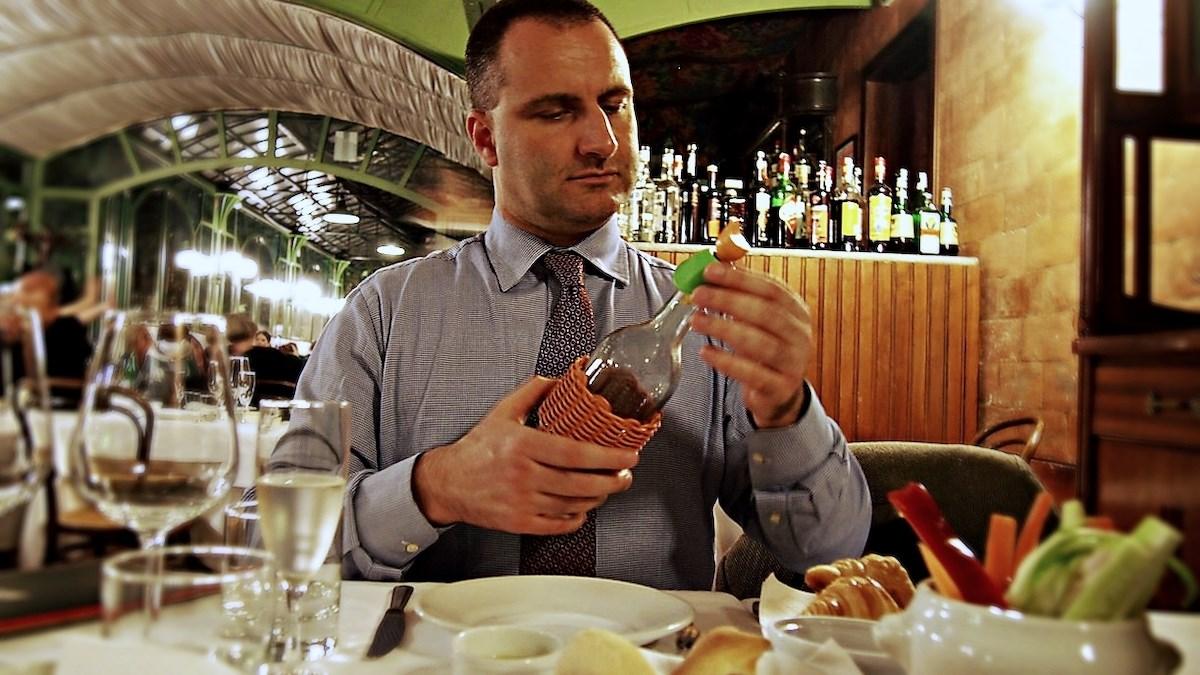 PARA wine taster